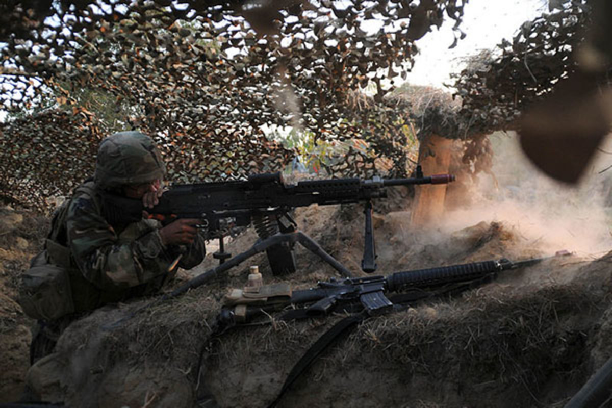 A defensive machine gun position completed by U.S. Navy Seabees during training, 2010. (PHOTO: PUBLIC DOMAIN)