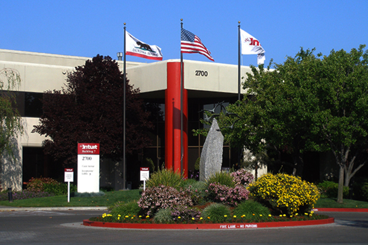 Intuit headquarters in Silicon Valley. (PHOTO: COOLCAESAR/WIKIMEDIA COMMONS)