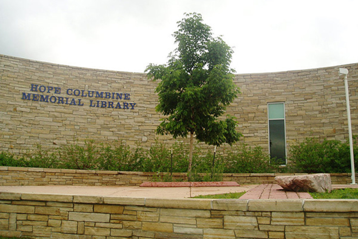 The HOPE Columbine Memorial Library that replaced the library where most of the massacre took place. (PHOTO: BIGMAC/WIKIMEDIA COMMONS)