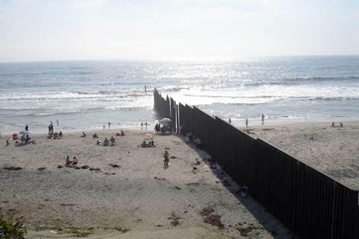 The beach on the Pacific Ocean at the U.S.-Mexico border from the Mexican side. (PHOTO: JAMESREYES/WIKIMEDIA COMMONS)