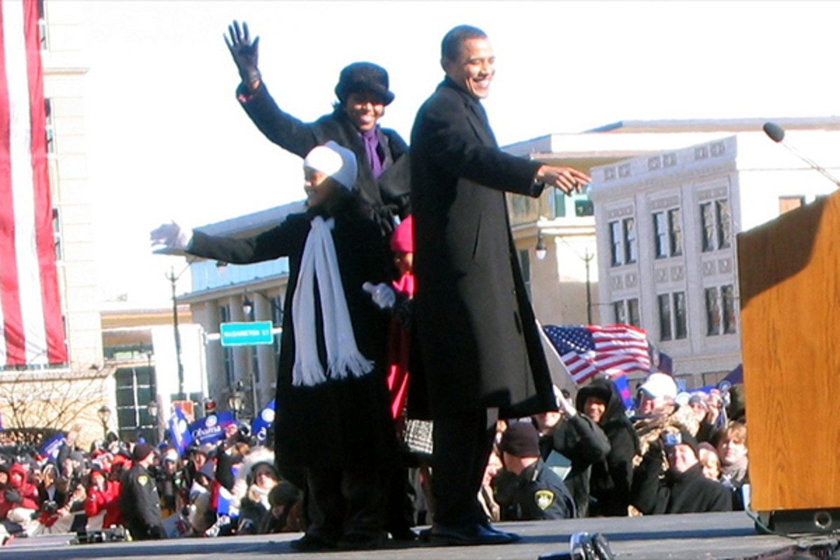 Obama stands on stage with his wife and daughters just before announcing his presidential candidacy in Springfield, Illinois, on February 10, 2007. (PHOTO: BEN STANFIELD/WIKIMEDIA COMMONS)