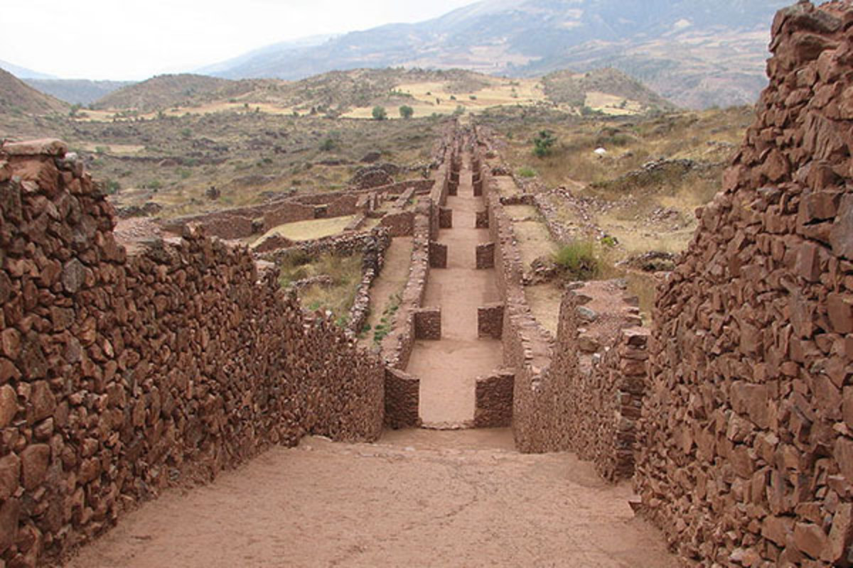 Pikillaqta administrative center, built by the Wari civilization in Cusco. (PHOTO: AGAINERICK/WIKIMEDIA COMMONS)