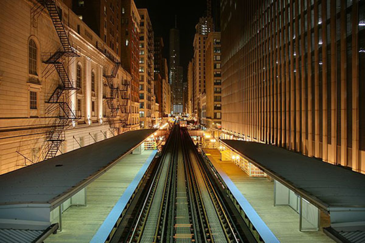 Chicago 'L' tracks running above Wabash Avenue in the Loop. (PHOTO: DANIEL SCHWEN/WIKIMEDIA COMMONS)