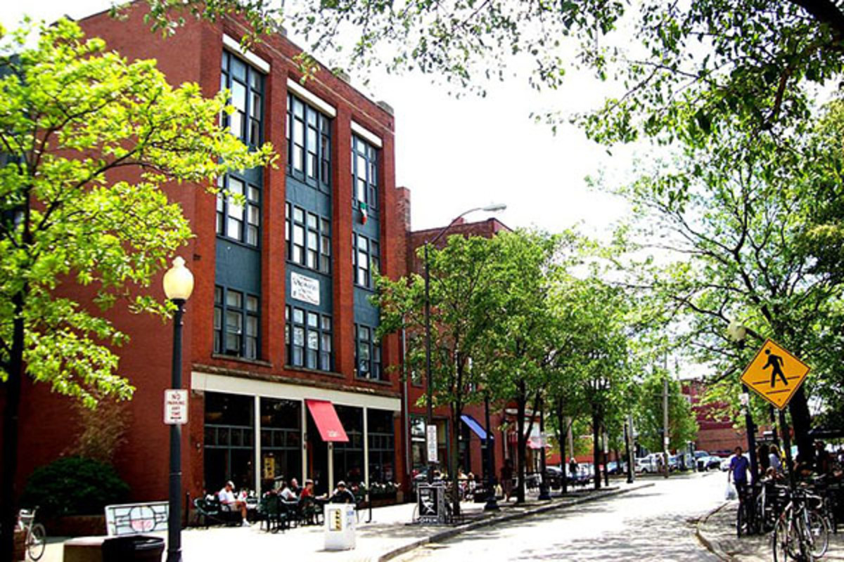 Market Avenue, one of Ohio City's pedestrian-friendly streets. (PHOTO: COLUMBUSITE/WIKIMEDIA COMMONS)