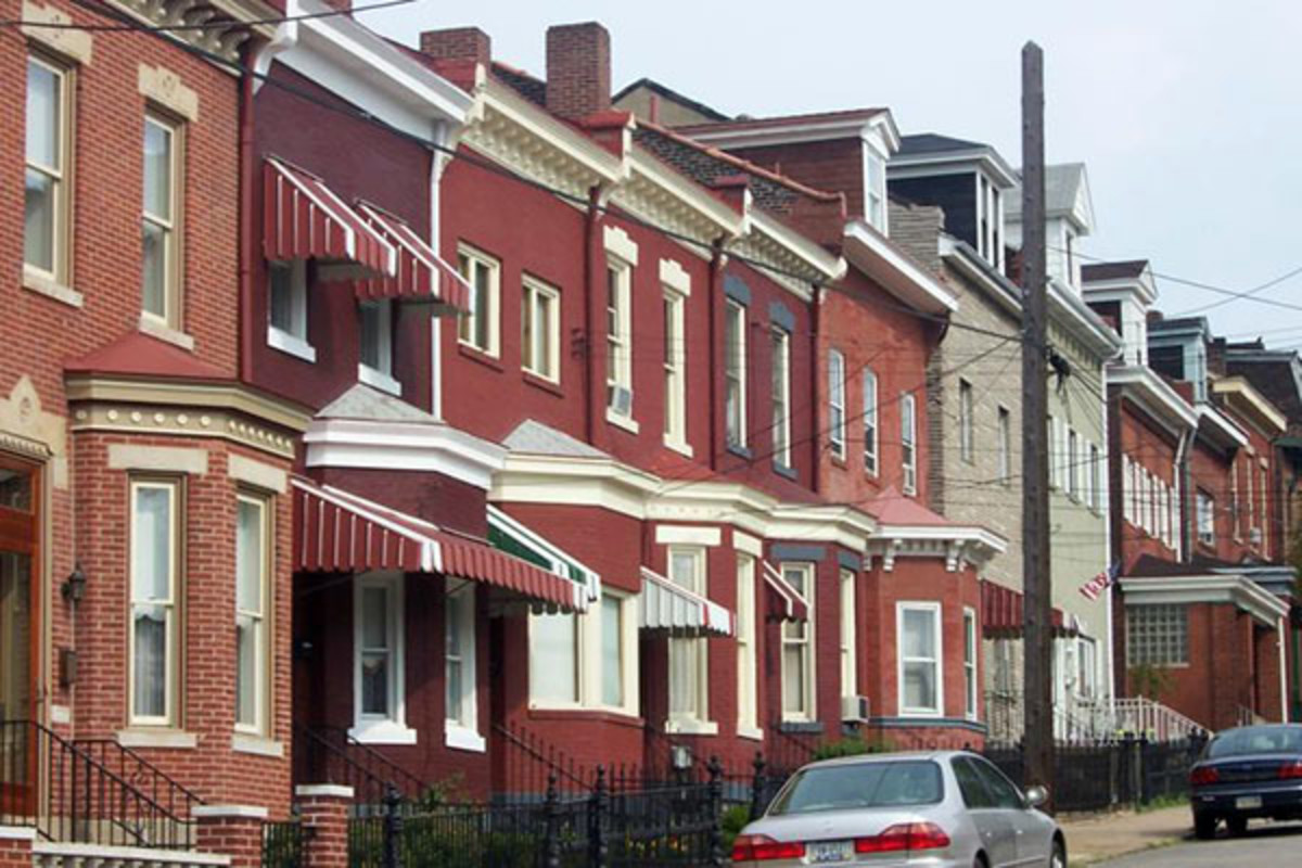 Row houses are common throughout Lawrenceville. (PHOTO: PUBLIC DOMAIN)