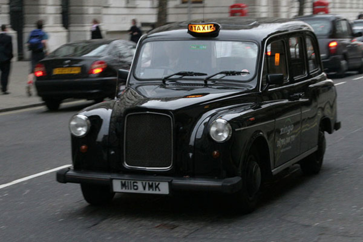 A black London taxi, also known as a hackney carriage. (PHOTO: JIMMY BARRETT/WIKIMEDIA COMMONS)