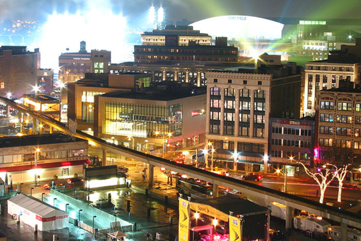 Looking toward Ford Field the night of Super Bowl XL. (PHOTO: IFMUTH/WIKIMEDIA COMMONS)