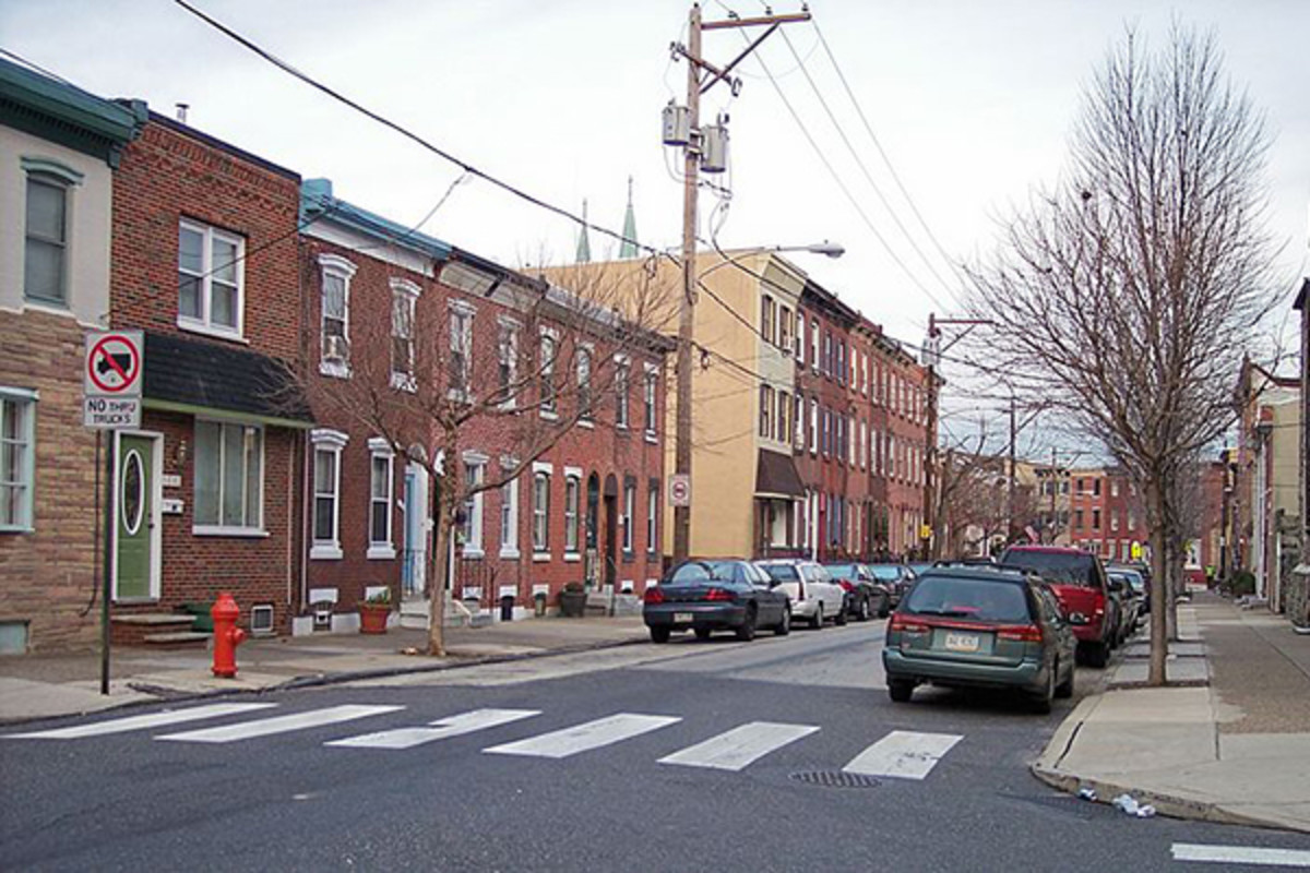 1500 block of E. Berks Street, a typical residential street in Fishtown, in 2007. (PHOTO: TIM KISER/WIKIMEDIA COMMONS)