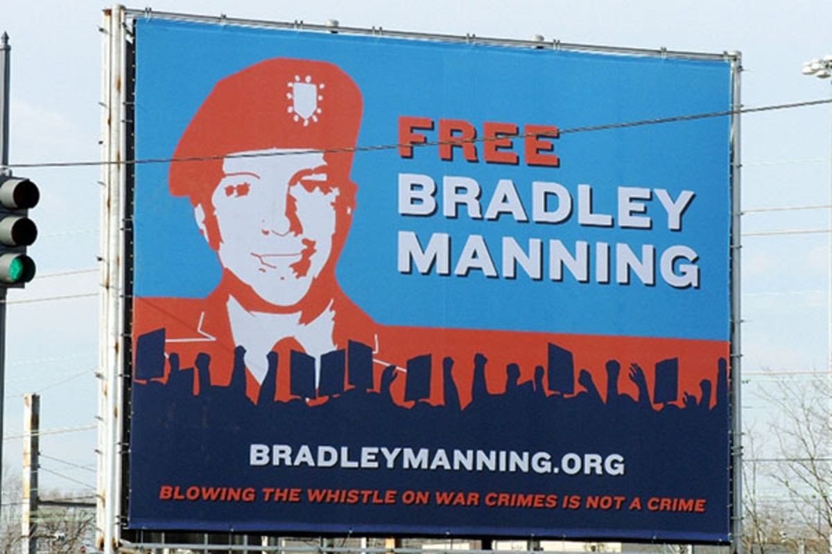 Billboard erected in Washington, D.C., by the Bradley Manning Support Network. (PHOTO: SAVE BRADLEY/FLICKR)
