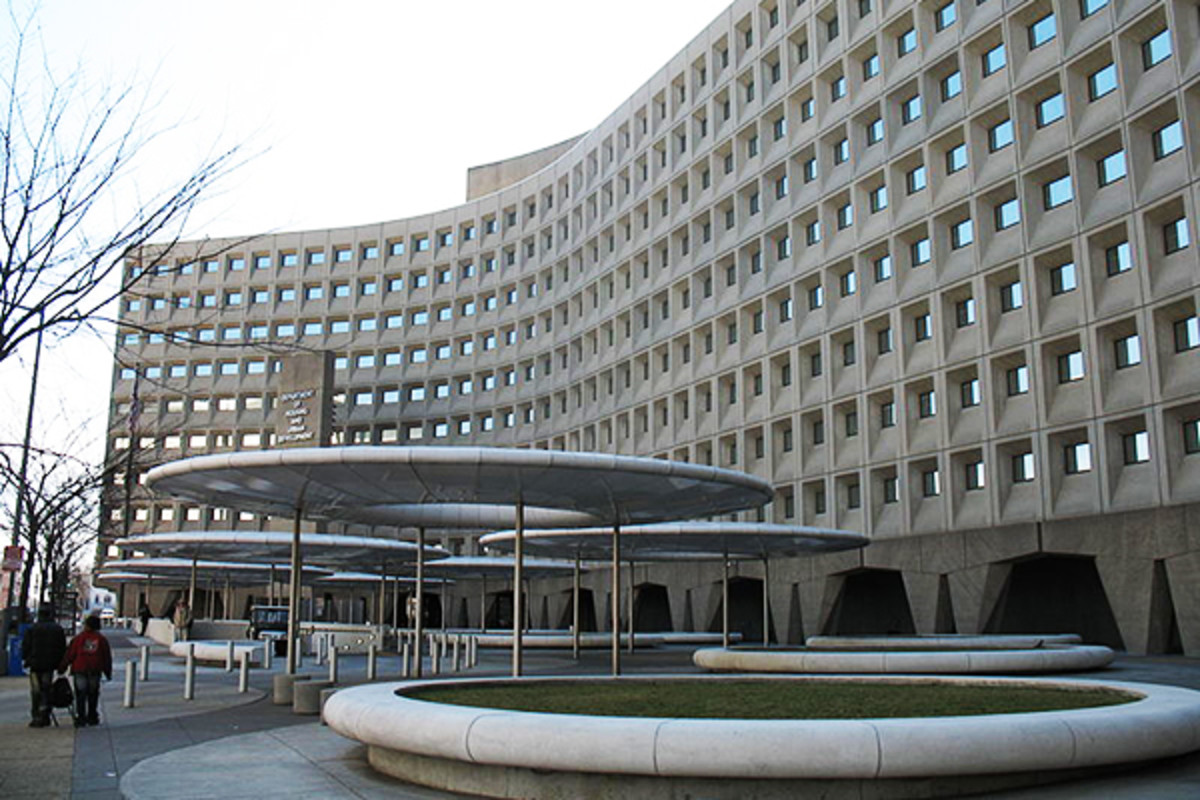 Robert C. Weaver Federal Building, the United States Department of Housing and Urban Development. (PHOTO: KJETIL REE/WIKIMEDIA COMMONS)
