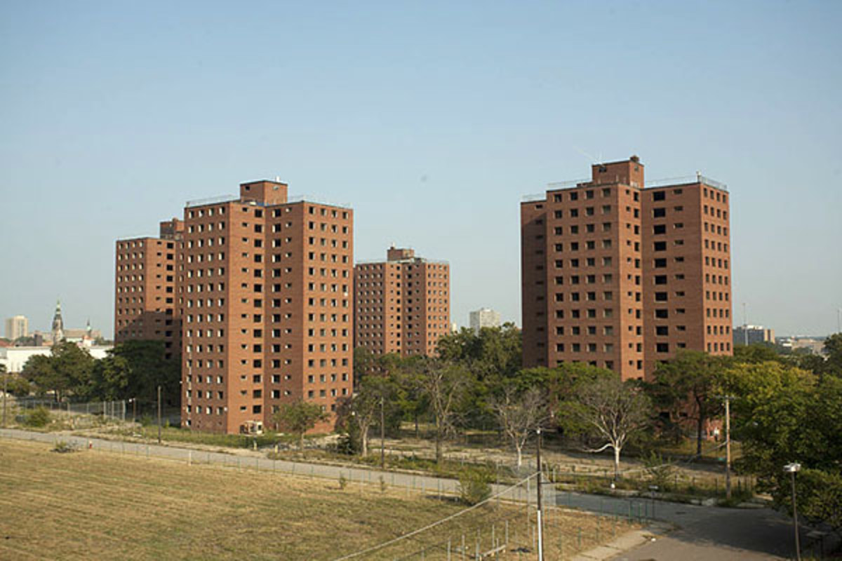 The Fredrick Douglass housing projects as seen from the nearby Brewster mid-rise buildings. (PHOTO: ALBERT DUCE/WIKIMEDIA COMMONS)