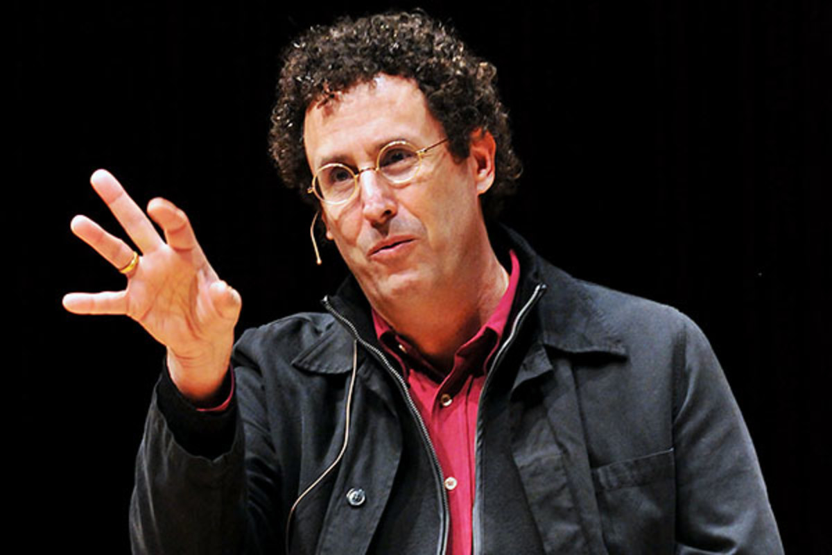 Tony Kushner speaks at the University of Maryland in February 2011. (PHOTO: FRANCHISE41/WIKIMEDIA COMMONS)