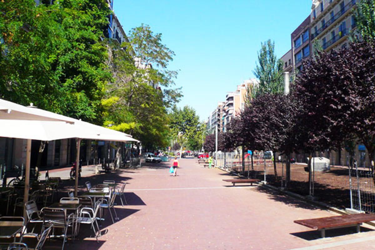 Avinguda Mistral in Sant Antoni, Barcelona, Spain. (PHOTO: PERE PRLPZ/WIKIMEDIA COMMONS)