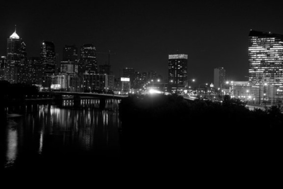 The night skyline of Philadelphia, the city hosting this year's International Economic Development Council annual conference. (PHOTO: JASONHUDSON/WIKIMEDIA COMMONS)
