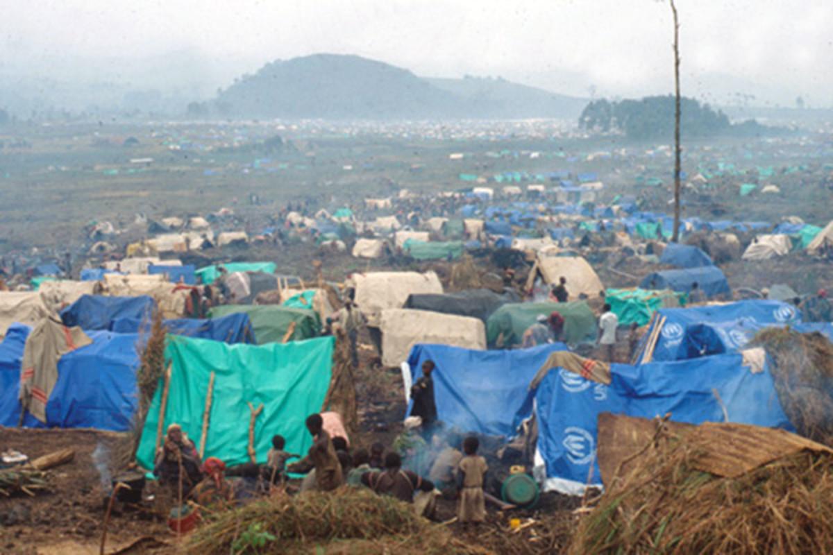 Refugee camp in Zaire, 1994. (PHOTO: PUBLIC DOMAIN)