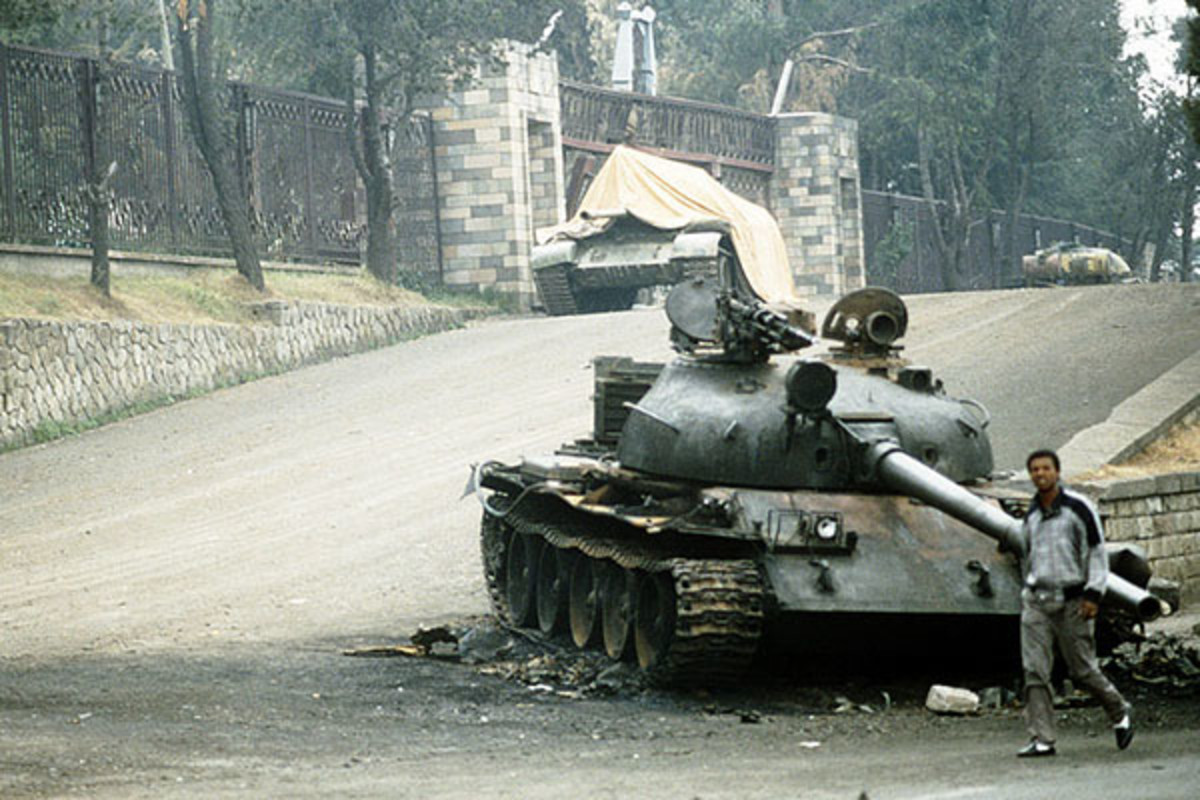 The remains of a T-62 tank after rebels enter Addis Ababa at the end of the Ethiopian Civil War, 1991. (PHOTO: PUBLIC DOMAIN)