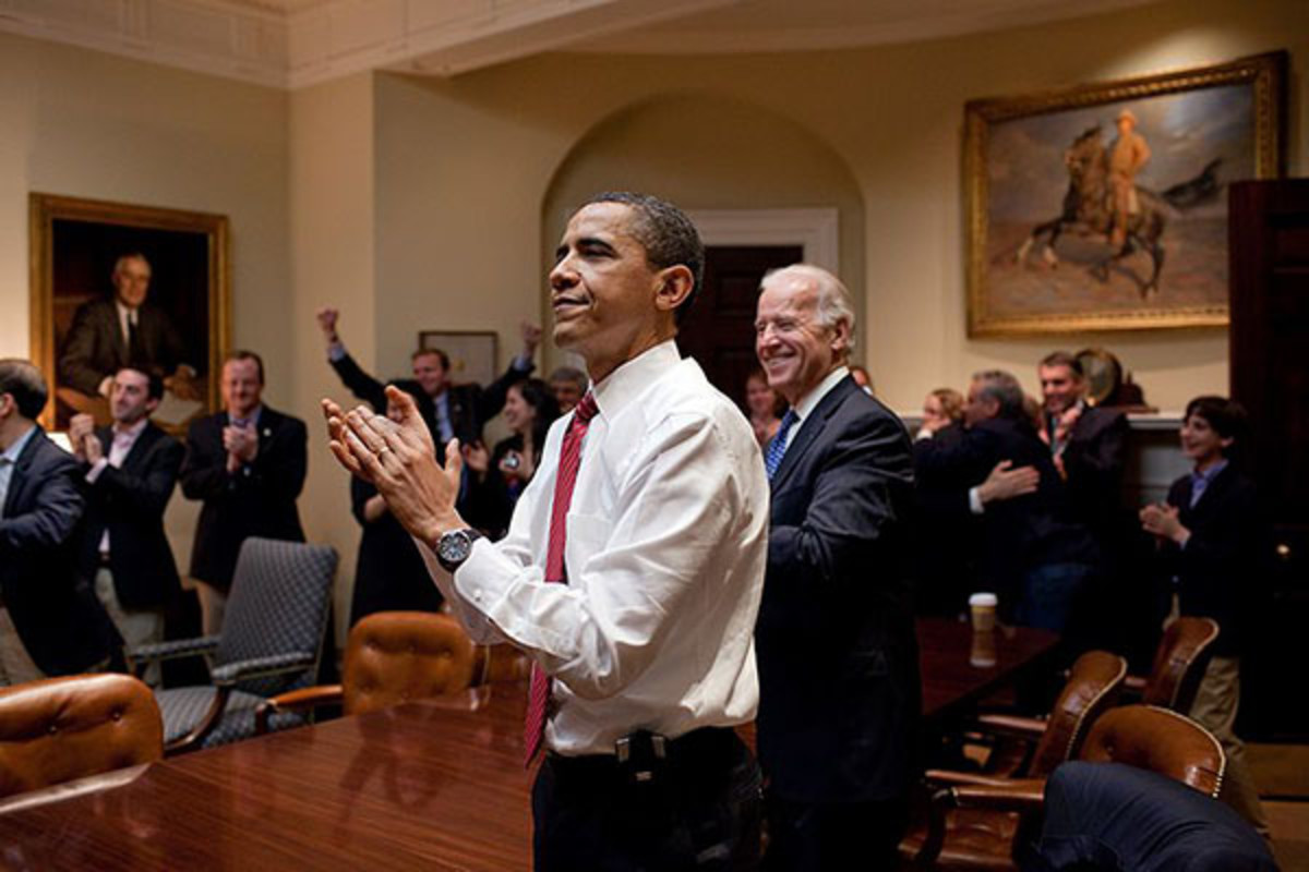 The president and White House staff react to the House of Representatives passing the Affordable Care Act on March 21, 2010. (PHOTO: PUBLIC DOMAIN)