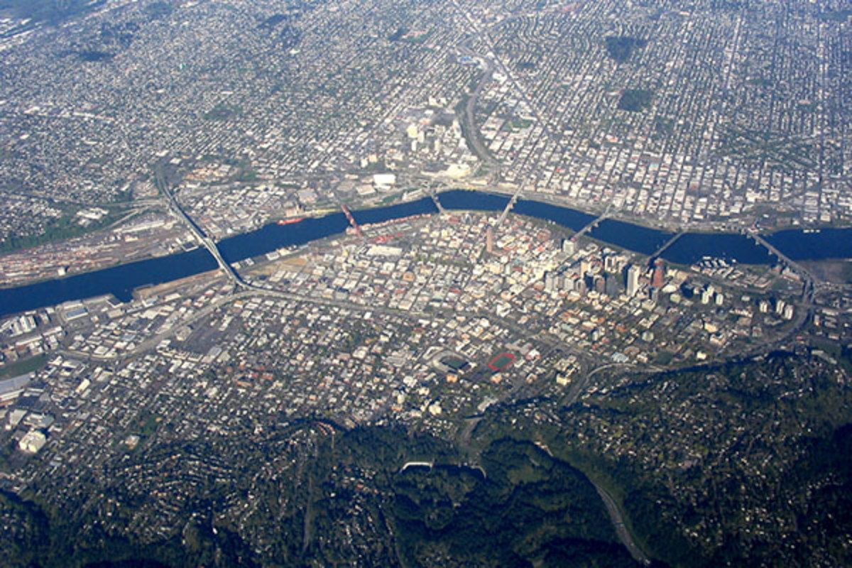 Aerial view of central Portland. (PHOTO: DUBBAG/WIKIMEDIA COMMONS)