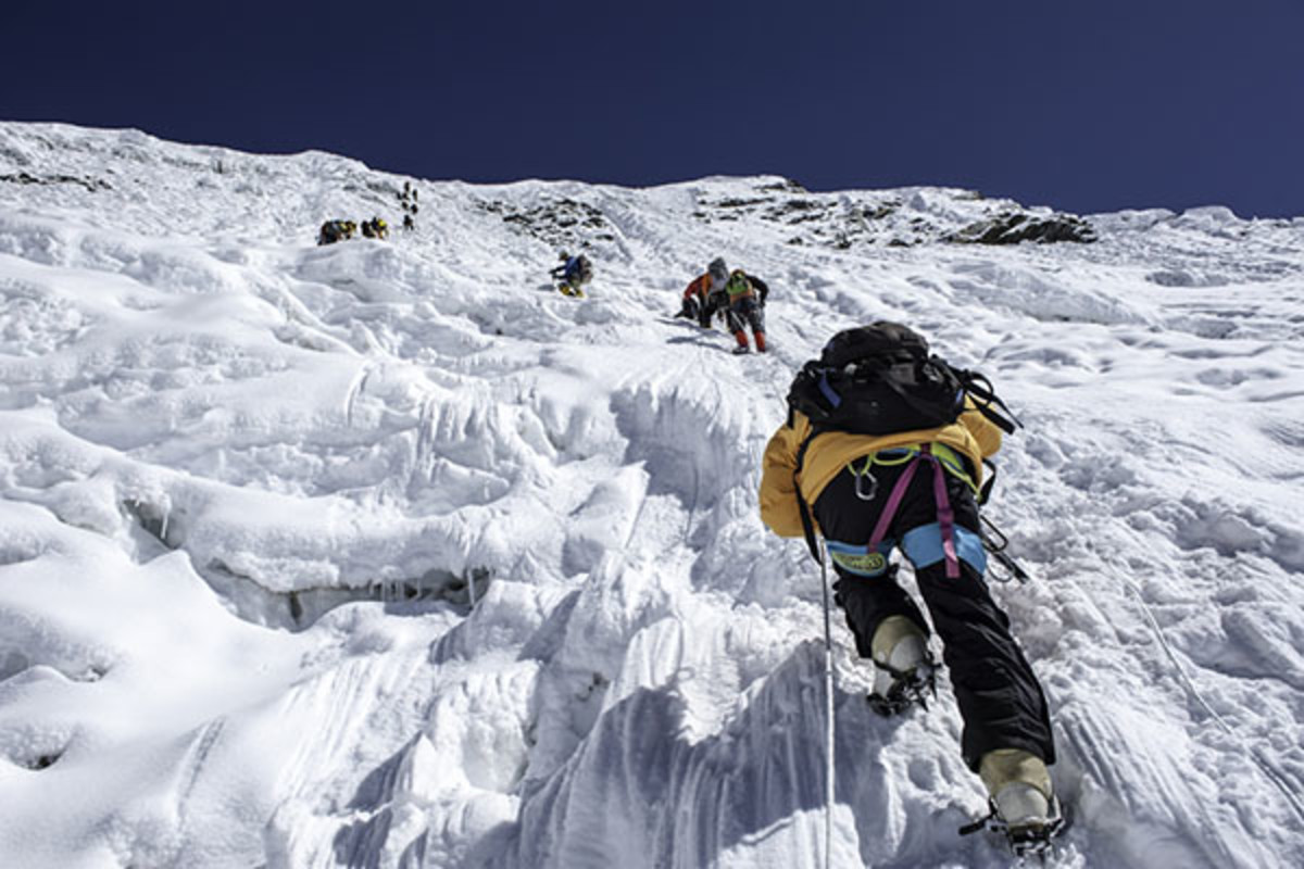 Climbing in Nepal. (PHOTO: SIHASAKPRACHUM/SHUTTERSTOCK)