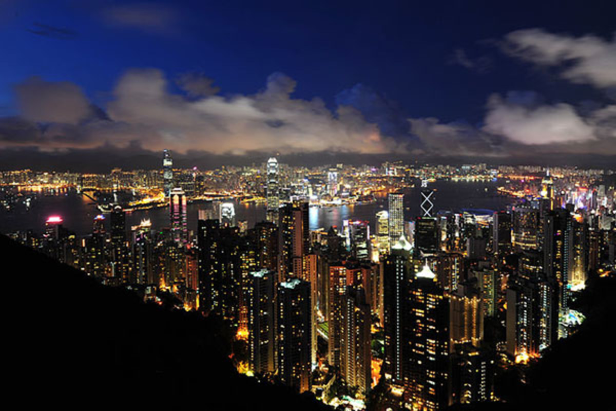 A view from Victoria Peak. (PHOTO: CHENSIYUAN/WIKIMEDIA COMMONS)