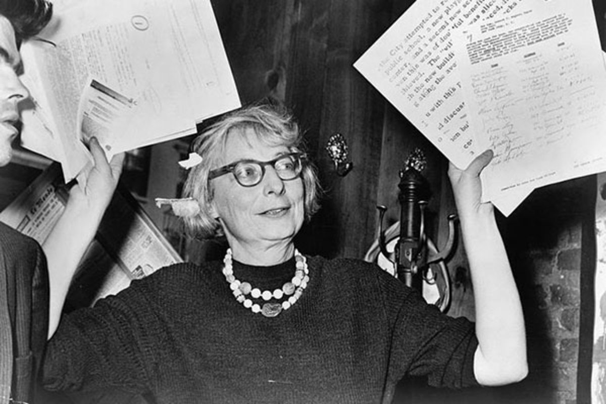 Jane Jacobs, then chairperson of a civic group in Greenwich Village, at a press conference in 1961. (PHOTO: COURTESY OF THE LIBRARY OF CONGRESS)