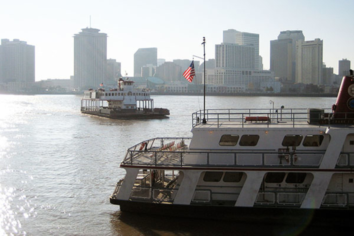 Ferries connecting New Orleans with Algiers and Gretna. (PHOTO: INFROGMATION/WIKIMEDIA COMMONS)