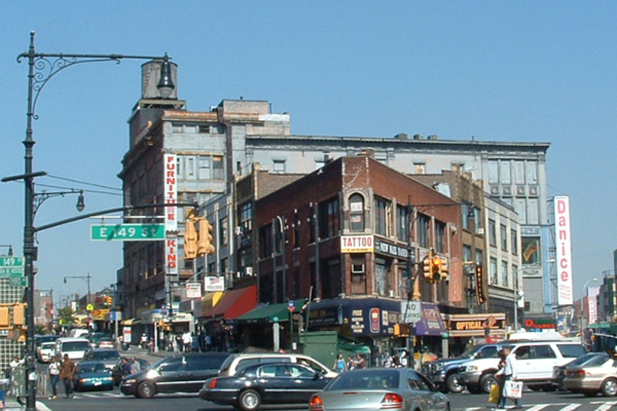 The Hub is the retail heart of the South Bronx. (PHOTO: FUTUREBIRD/WIKIMEDIA COMMONS)