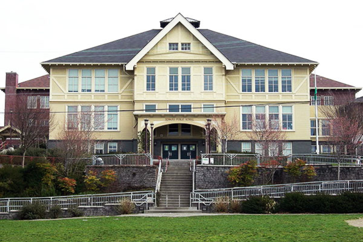 The Seward School in Seattle, Washington. (PHOTO: JOE MABEL/WIKIMEDIA COMMONS)