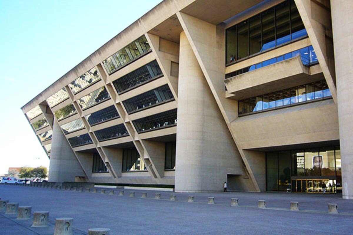 Dallas City Hall. (PHOTO: <a href=