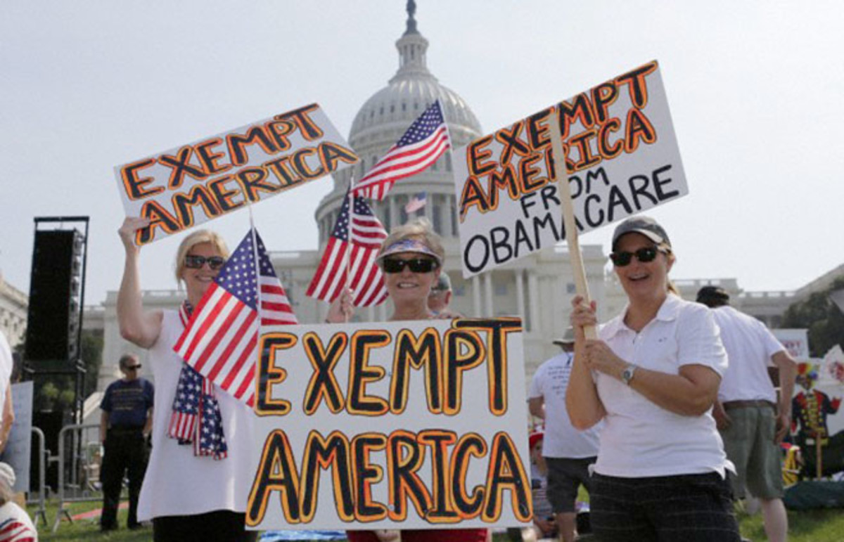 Anti-Obamacare protesters in front of the Capitol last fall. (Photo: Mark Tenally/Demotix/Corbis)