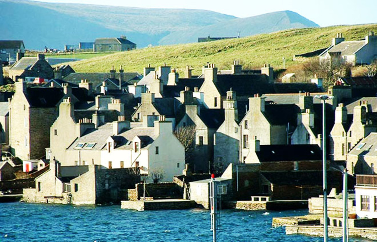 The second largest settlement on Orkney. (Photo: Guinnog/Wikimedia Commons)