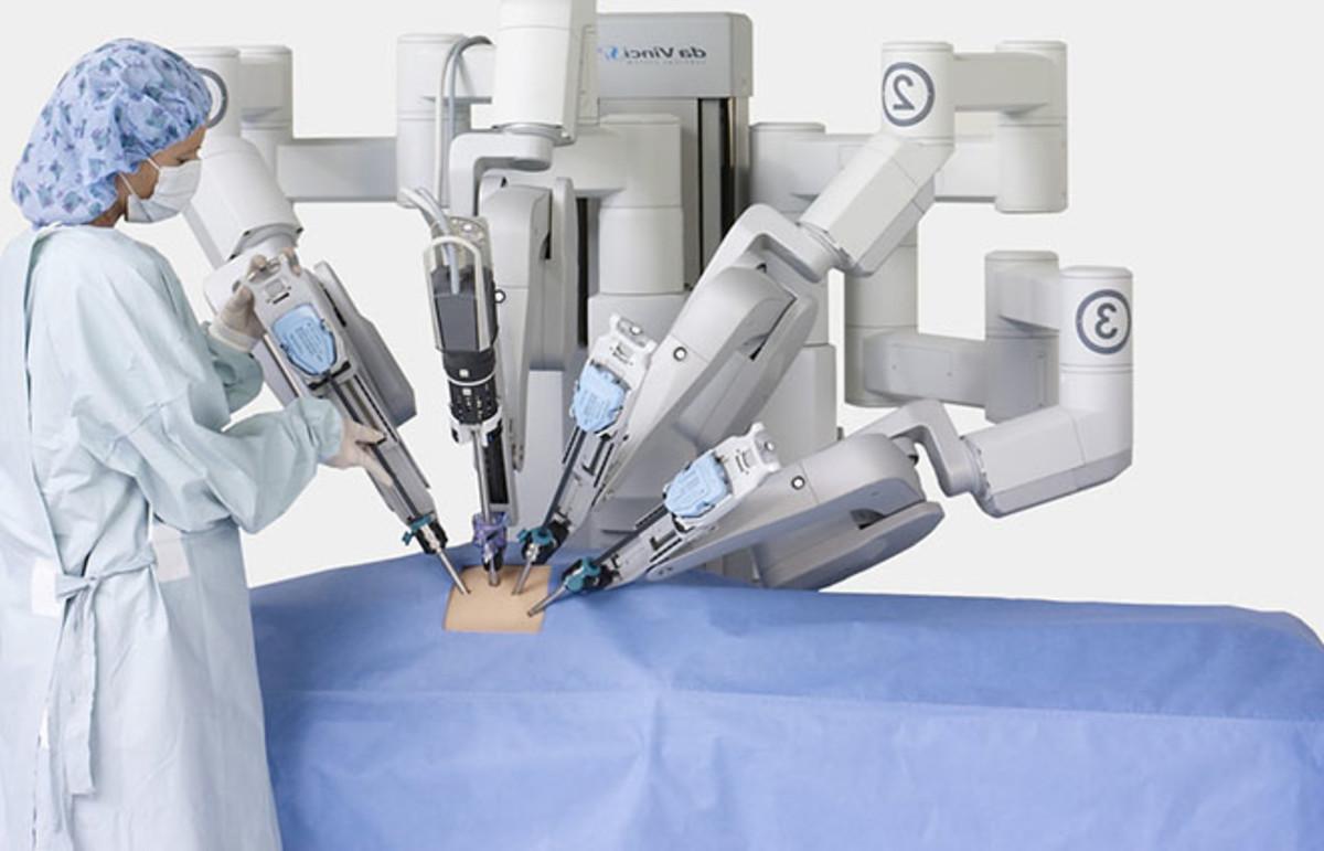 The da Vinci robot system. (Photo: Intuitive Surgery, Inc.)