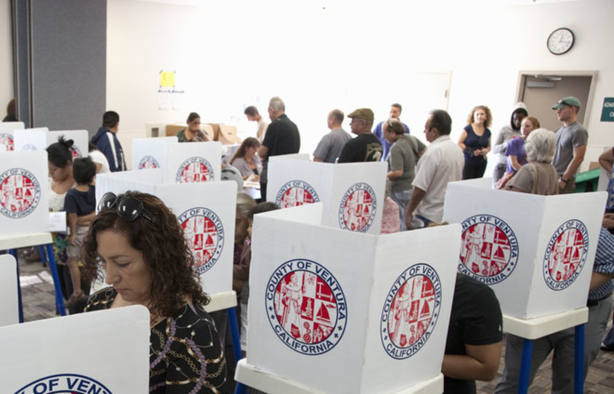Voters at a polling station in the 2012 presidential election. (Photo: spirit of america/Shutterstock)