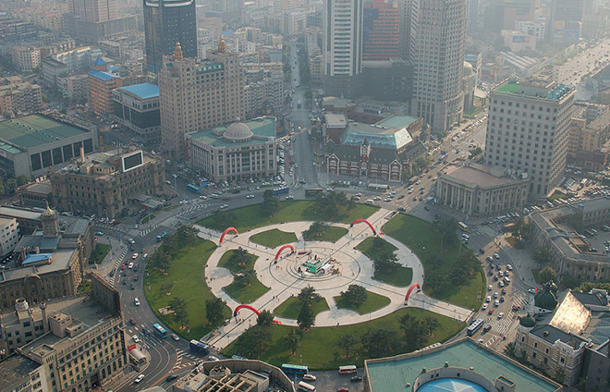 Zhongshan Square in Dalian, China, the city Xu Tan is from and hopes to one day return to. (Photo: MR+G/Wikimedia Commons)