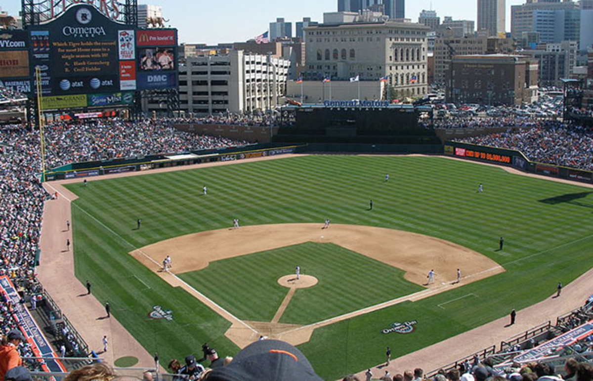 Tigers opening day 2007; view from section 324. (Photo: MJCdetroit/Wikimedia Commons)