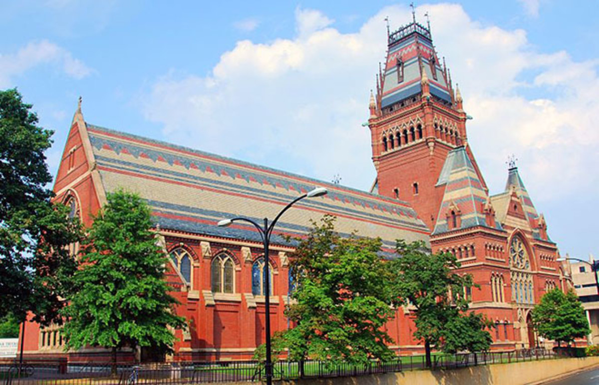 Harvard University's Memorial Hall. (Photo: chensiyuan/Wikimedia Commons)
