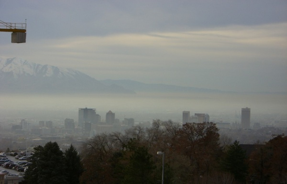 Smog in Salt Lake City. (Photo: aarongustafson/Flickr)