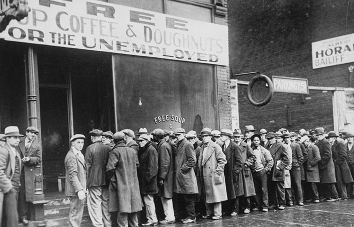 Men outside a Chicago soup kitchen during the Great Depression, 1931. (Photo: Public Domain)