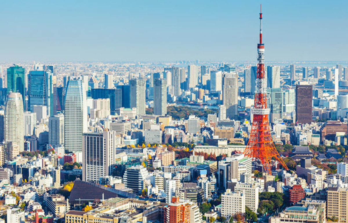 Tokyo skyline. (Photo: leungchopan/Shutterstock)