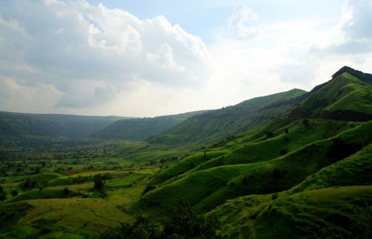 The Satara mountains of Maharashtra, India. (Photo: Sunder Iyer/Wikimedia Commons)