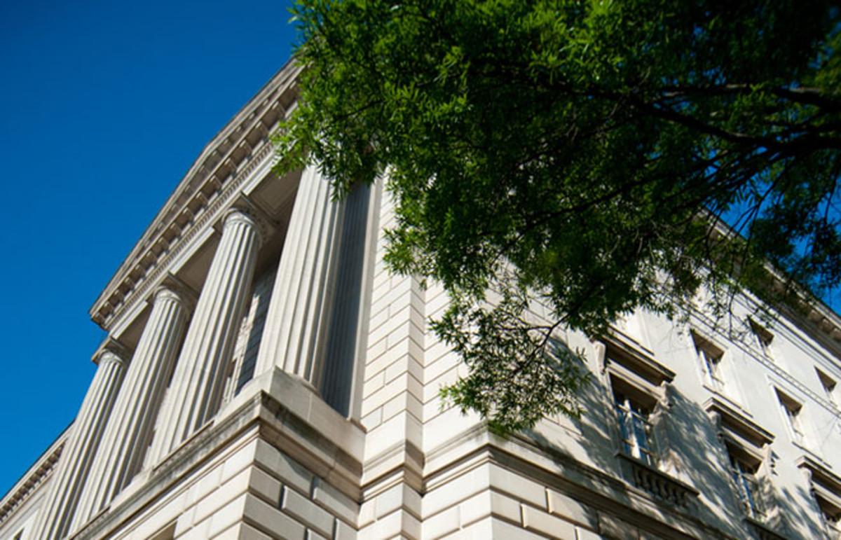 Internal Revenue Service building. (Photo: Rena Schild/Shutterstock)