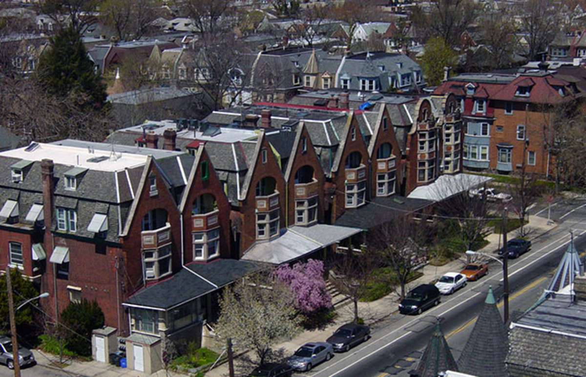 Row houses in West Philadelphia. (Photo: Axcordion/Wikimedia Commons)