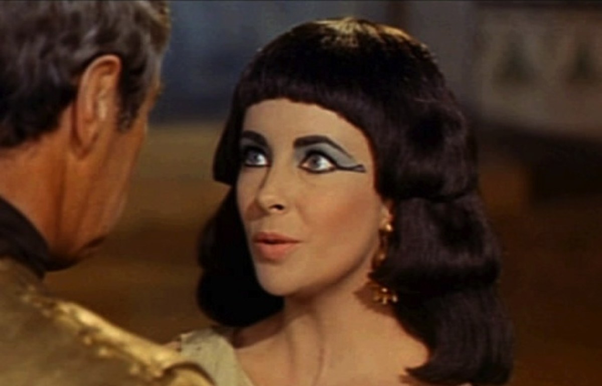 Elizabeth Taylor in Cleopatra. (Photo: Wikimedia Commons)