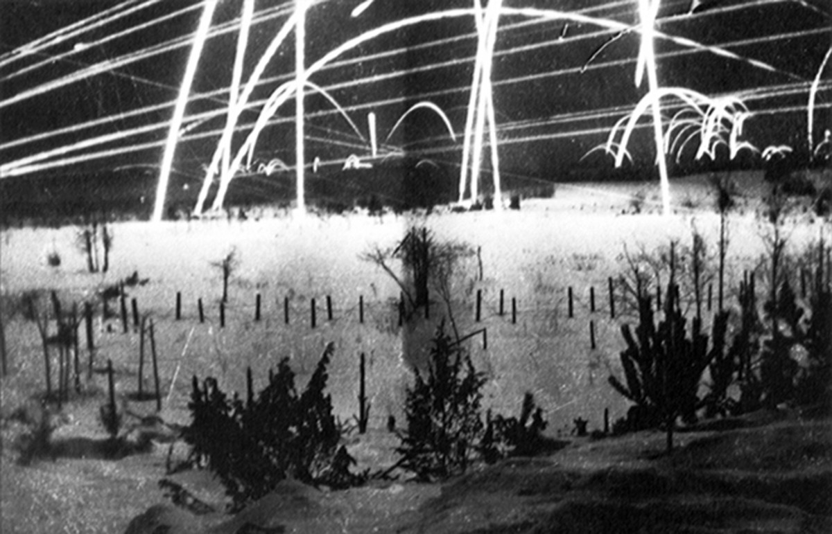 Tracer fire on the Finnish-Soviet border during the Winter War.