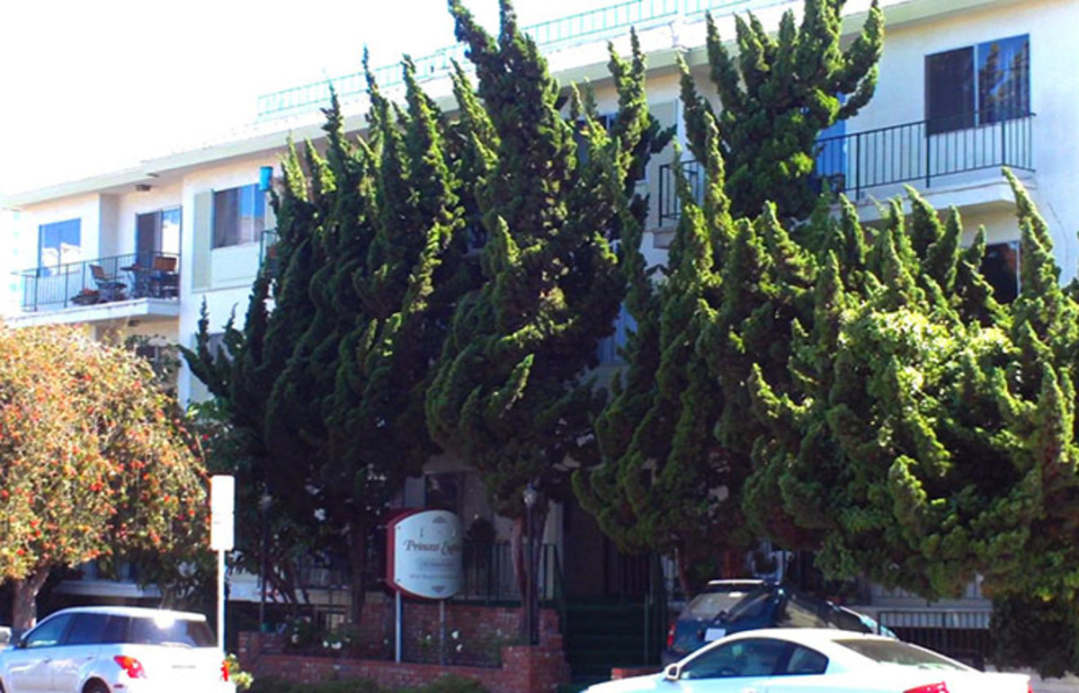 The apartment building in Santa Monica, California, where Bulger lived as a fugitive for at least 15 years. (Photo: Shirtwaist/Wikimedia Commons)