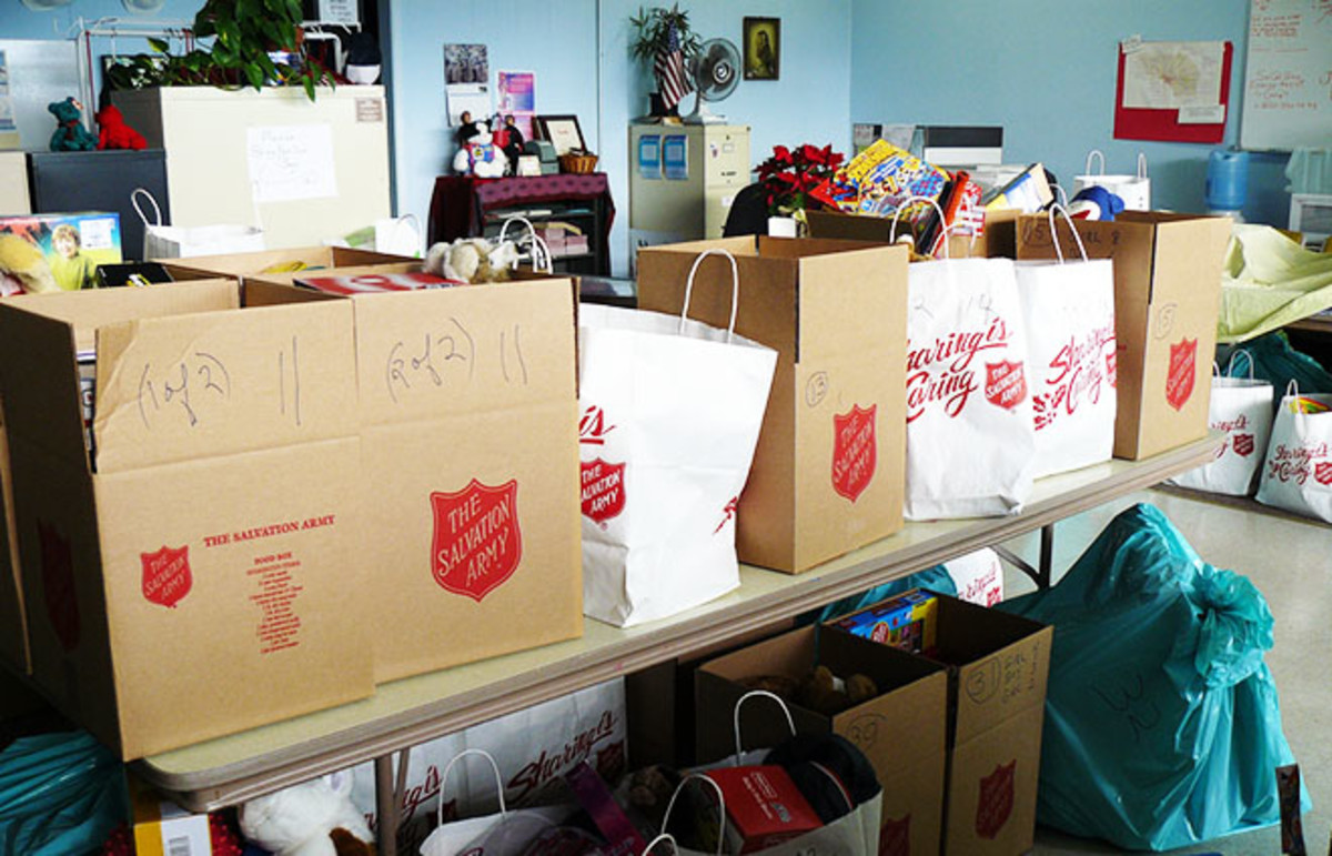 Salvation Army Christmas donations. (Photo: docentjoyce/Flickr)