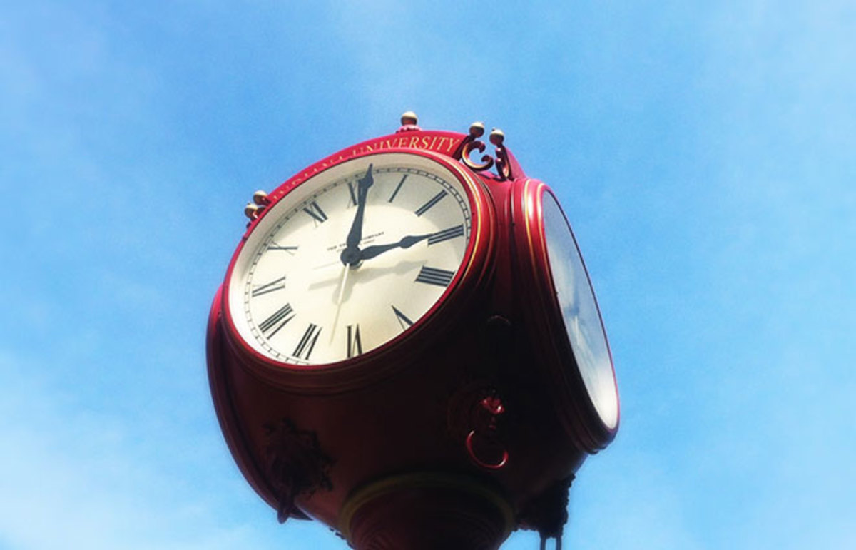 Clock at Indiana University. (Photo: robzand/Flickr)