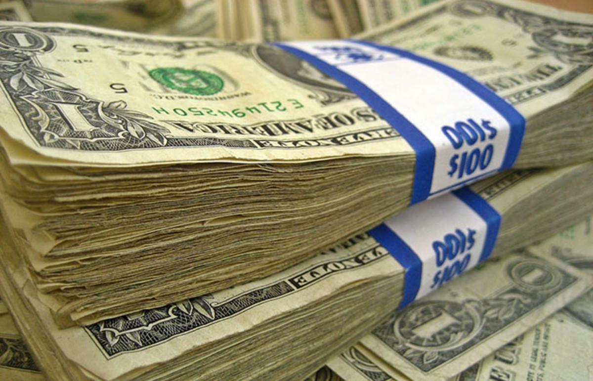 Cash. (Photo: 401(K) 2012/Flickr)