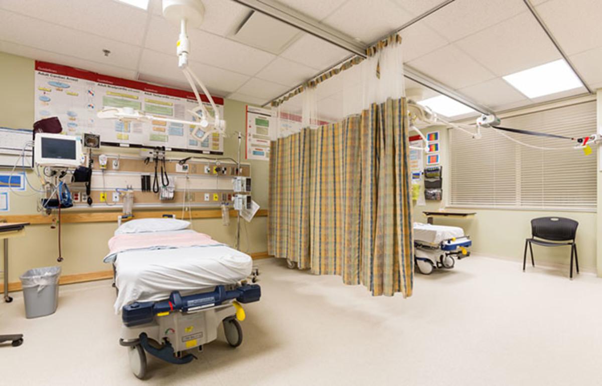 Emergency intake area in a hospital. (Photo: Tyler Olson/Shutterstock)