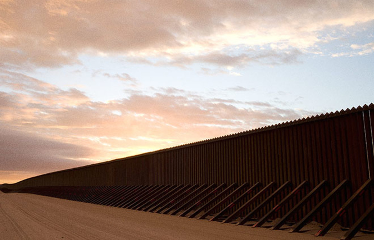 Border fence in California. (Photo: Eric White/Flickr)
